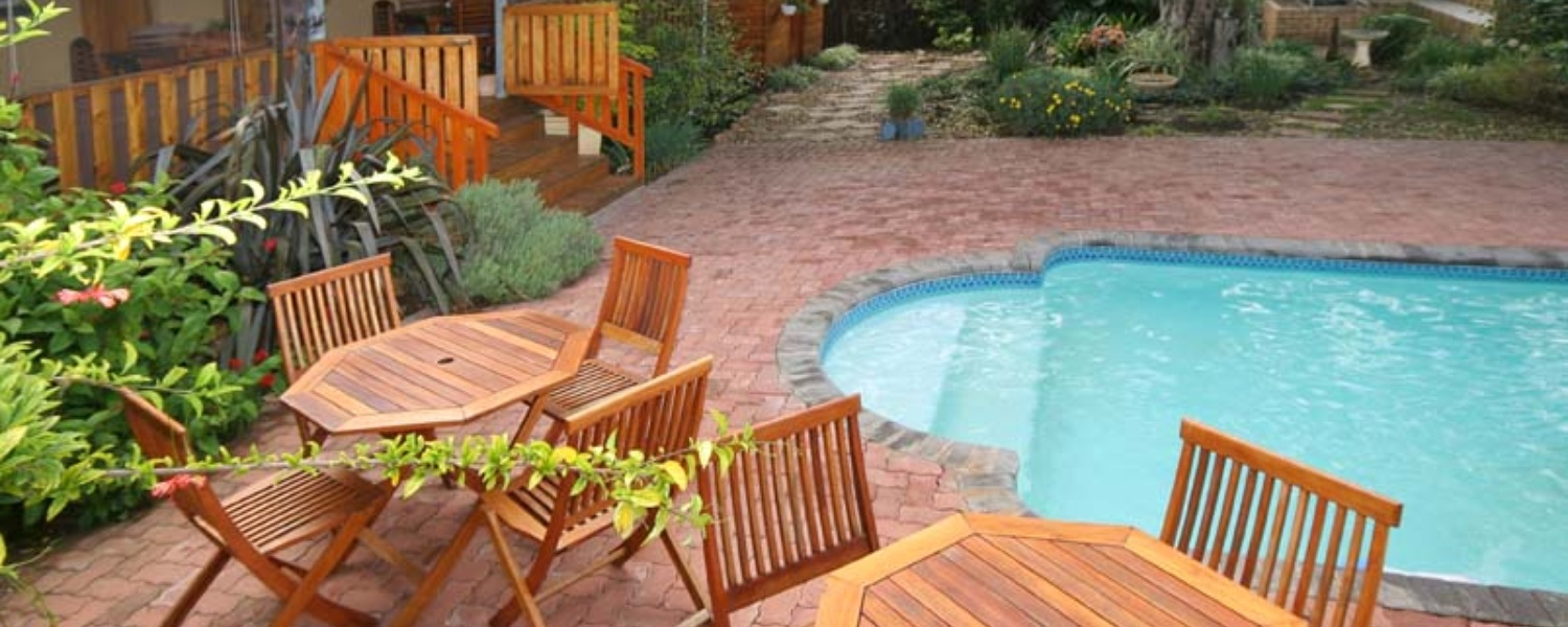 Jeffrey's Bay B&B; Pool & BBQ Area, 3 star accommodation; holiday accommodation; bed and breakfast, Jeffrey's Bay